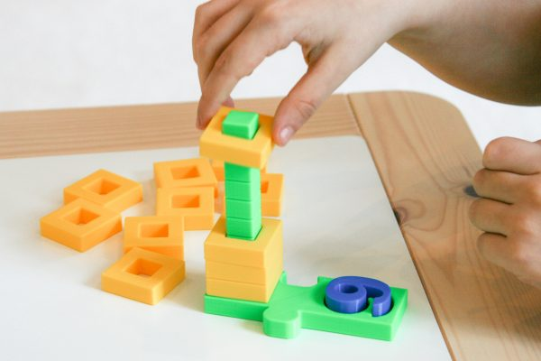 COUNT AND SORT STACKING TOWER BY PLAY LEARN CONNECT